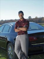 Tiger-woods-with-buick-resized